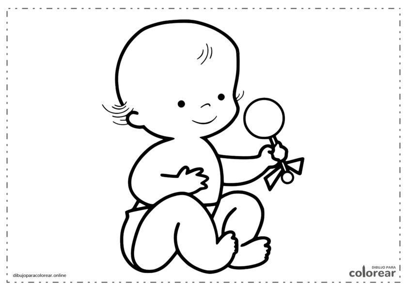 Bebé jugando con un sonajero