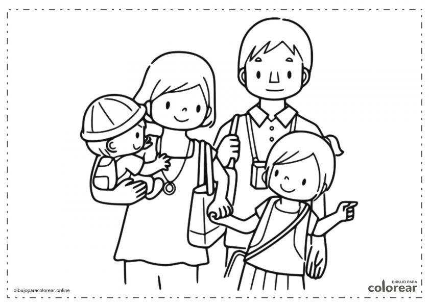 Pareja de padre y madre con su hija mayor y el hijo bebé
