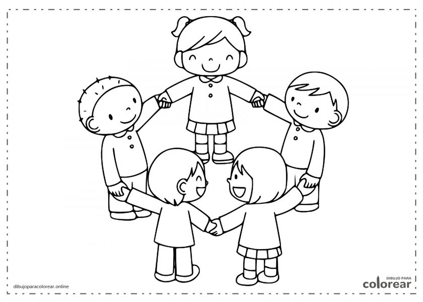 Niños y niñas jugando al corro de la patata